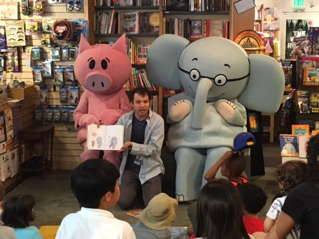 Elephant and Piggie Reading